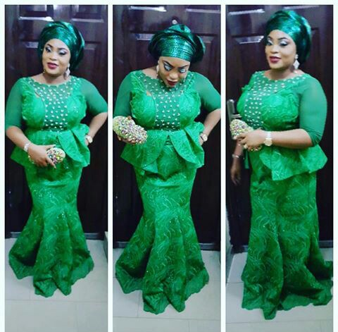 Classy Aso Ebi Styles In Lace Worn Over The Weekend @mz_kaffy
