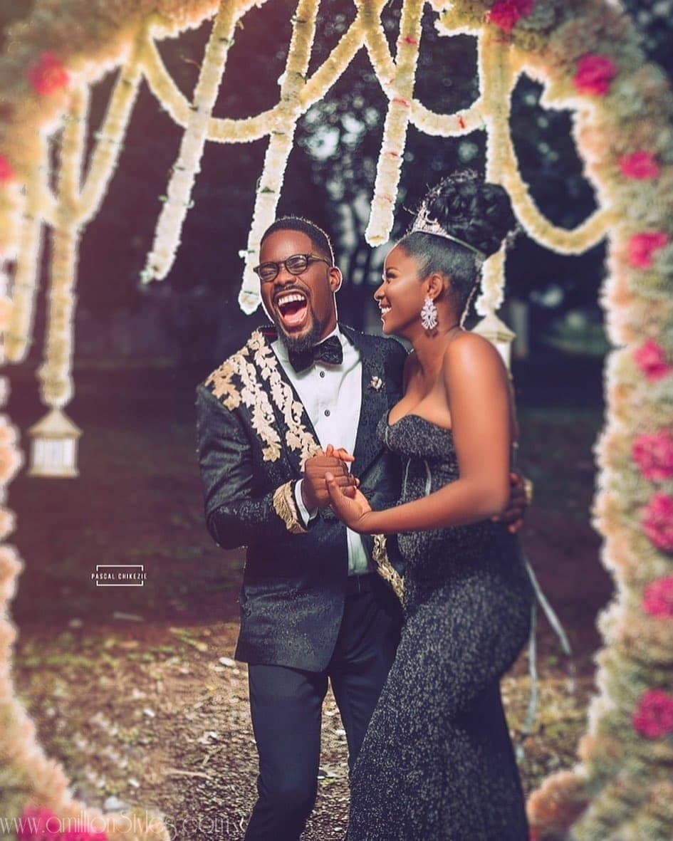 Can You Wear Black Matching Outfits For Your Pre-Wedding Photos?